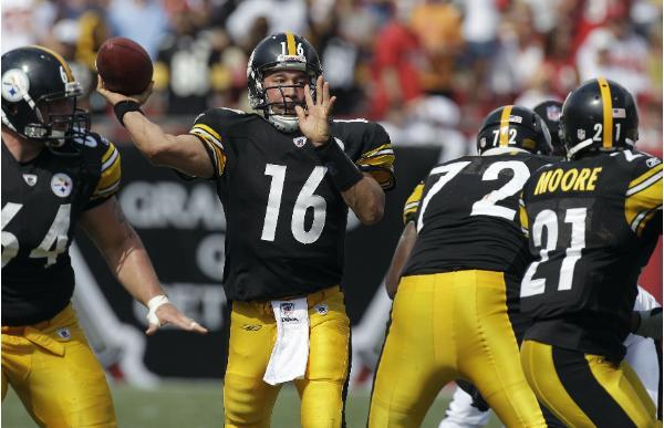 Charlie Batch, quarterback dei Pittsburg Steelers (AP Photo/Chris O'Meara)