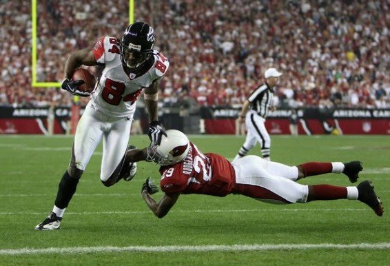 Roddy White salta Alfonso Smith