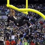 Torrey Smith celebra il suo touchdown lanciato da Joe Flacco.