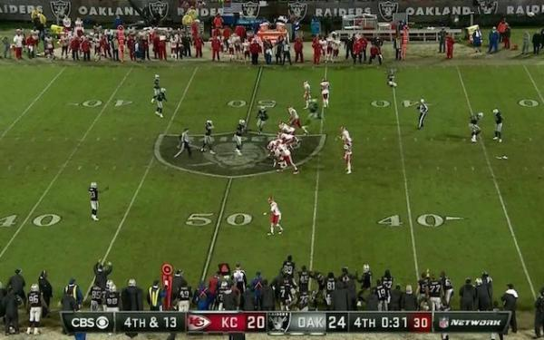 Raiders-Chiefs-crazy-offside-fourth