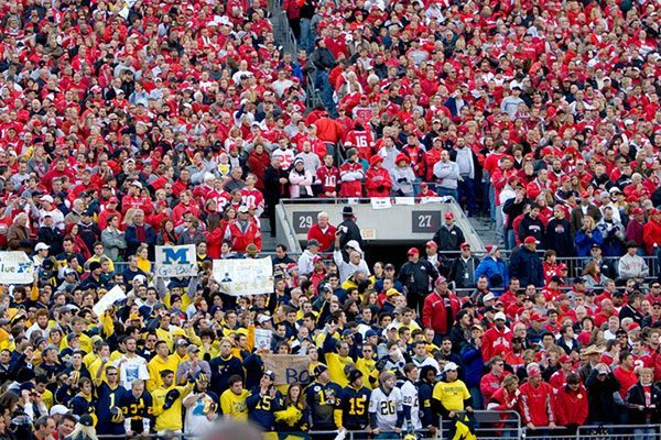 Michigan Wolverines vs Ohio State Buckeyes tifosi