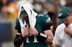 Carson Wentz infortunio Eagles Rams 2017