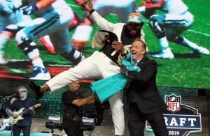 NFL Draft 2019 Dolphins Christian Wilkins Commissioner Roger Goodell