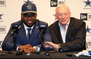 Zeke Elliott Jerry Jones
