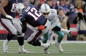 NFL 2019 Patriots vs Dolphins Brady sack