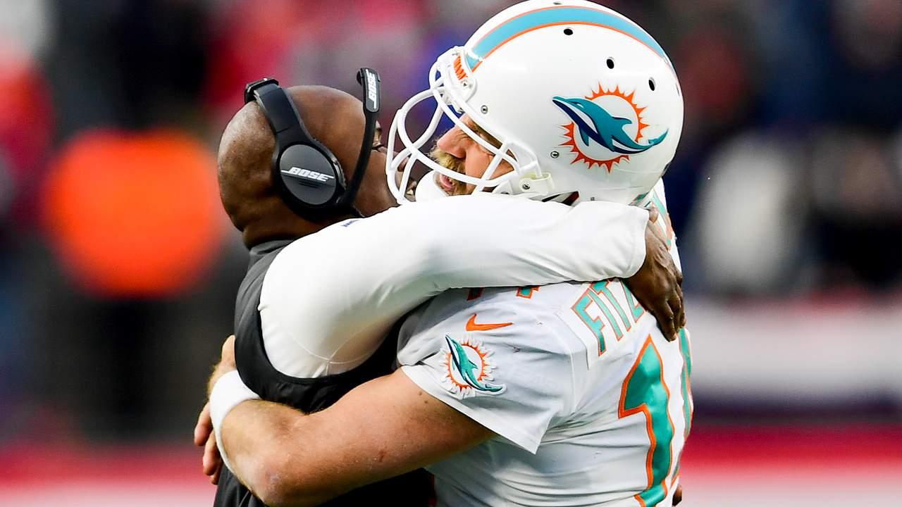 Miami_Dolphins_Fitzpatrick_Flores
