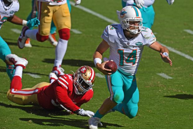 RyanFitzpatrick_run_over_49ers