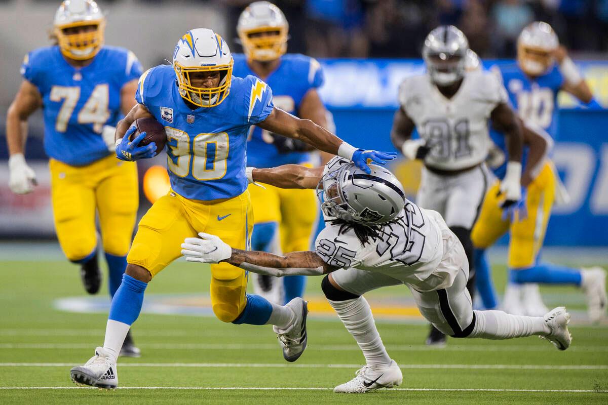 Austin Ekeler Chargers vs-Raiders week 4 NFL 2021